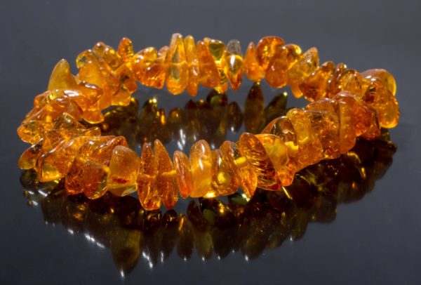 гривна кехлибар тъмен мед от miteviminerals