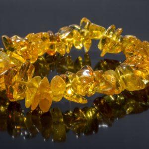Гривна кехлибар светъл мед от miteviminerals