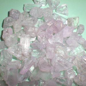 Кунцит кристали от miteviminerals